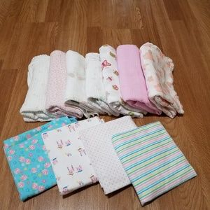 7 Muslin wraps and 4 flannel blankets for Baby